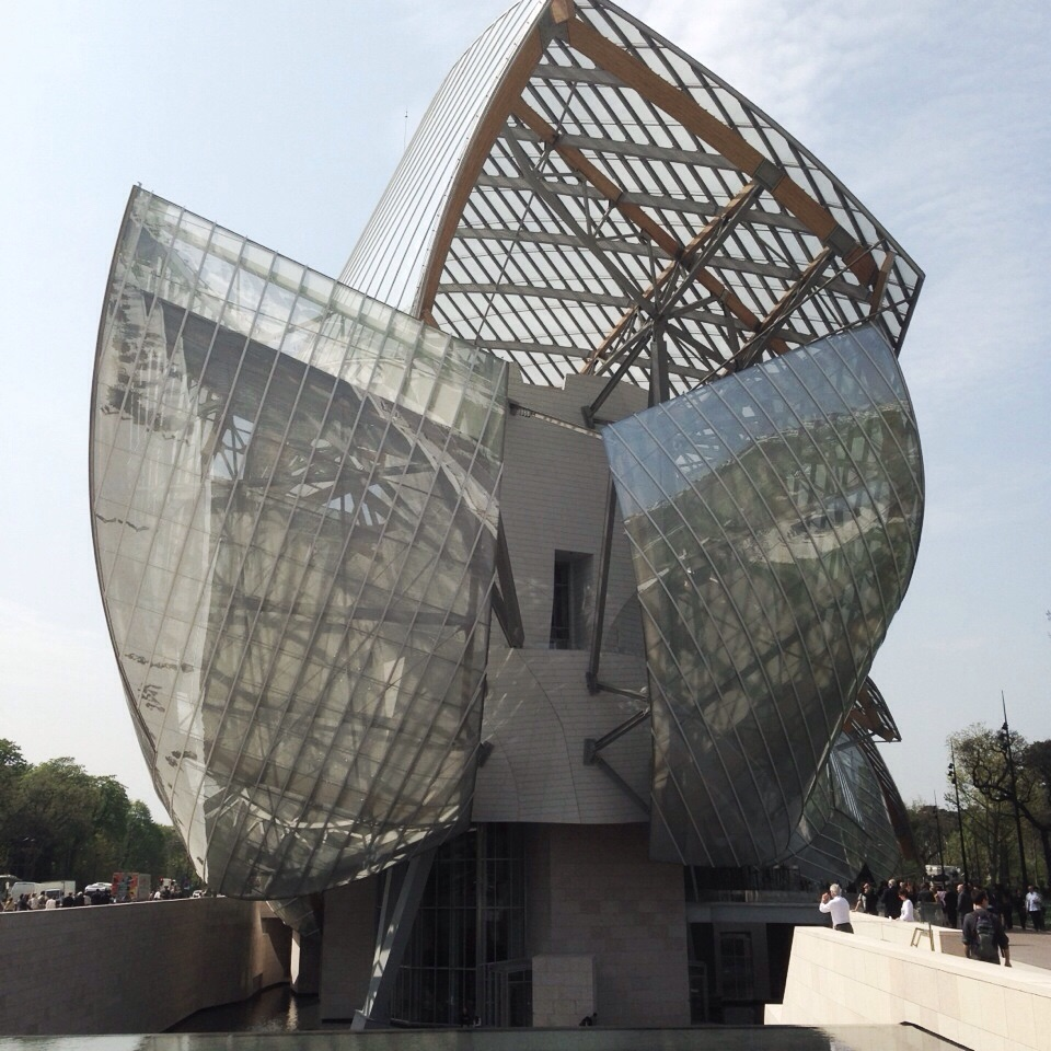 OUT OF TOWN 2 - Foundation Louis Vuitton
