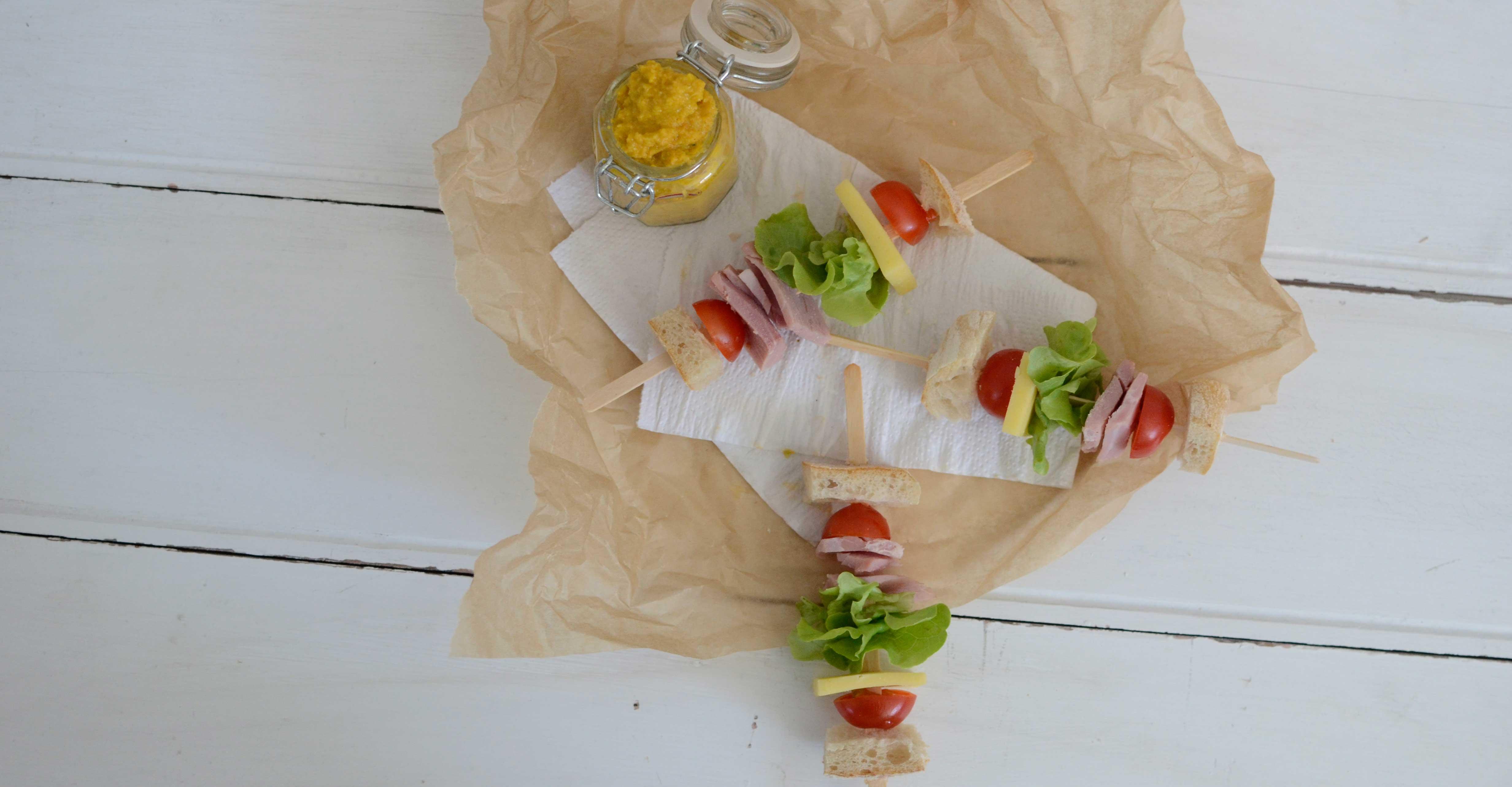 Recipe: Sandwich Popsicles