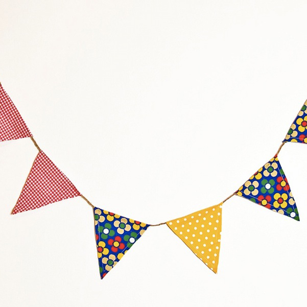 V3_bunting_-_flag__with_flowers