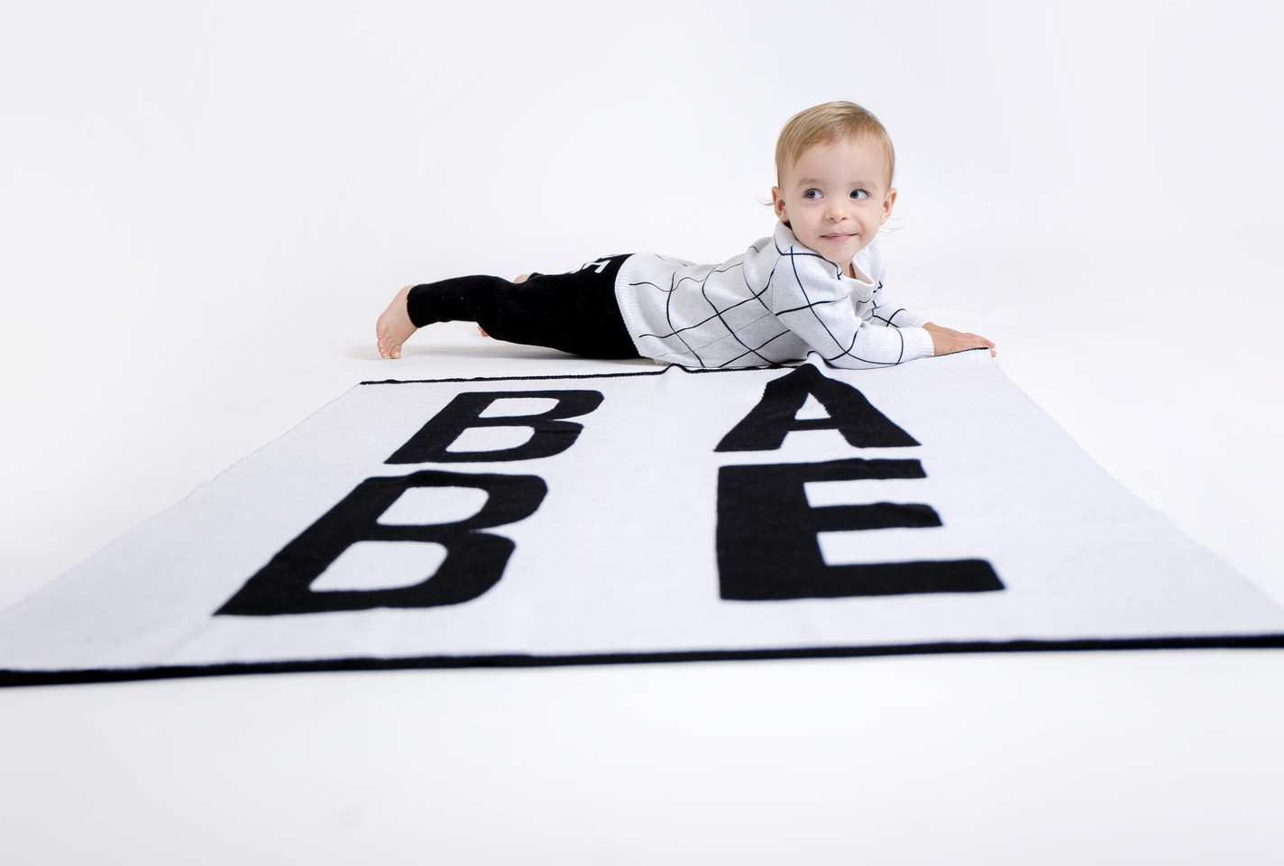 The baby blanket you need now (and the pants to match)
