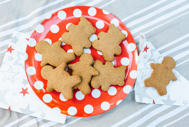 Christmas Cooking: Guilt-Free Gingerbread Biscuits
