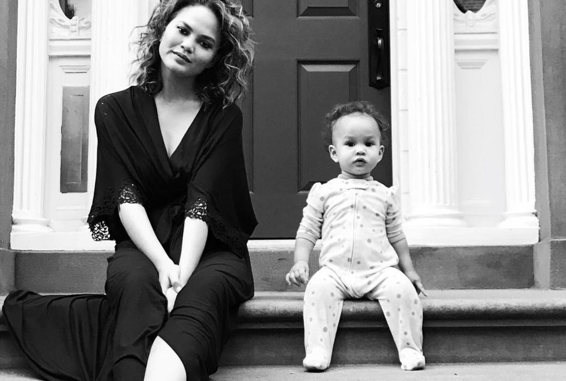 How Chrissy Teigen is Preparing for PPD During her Second Pregnancy