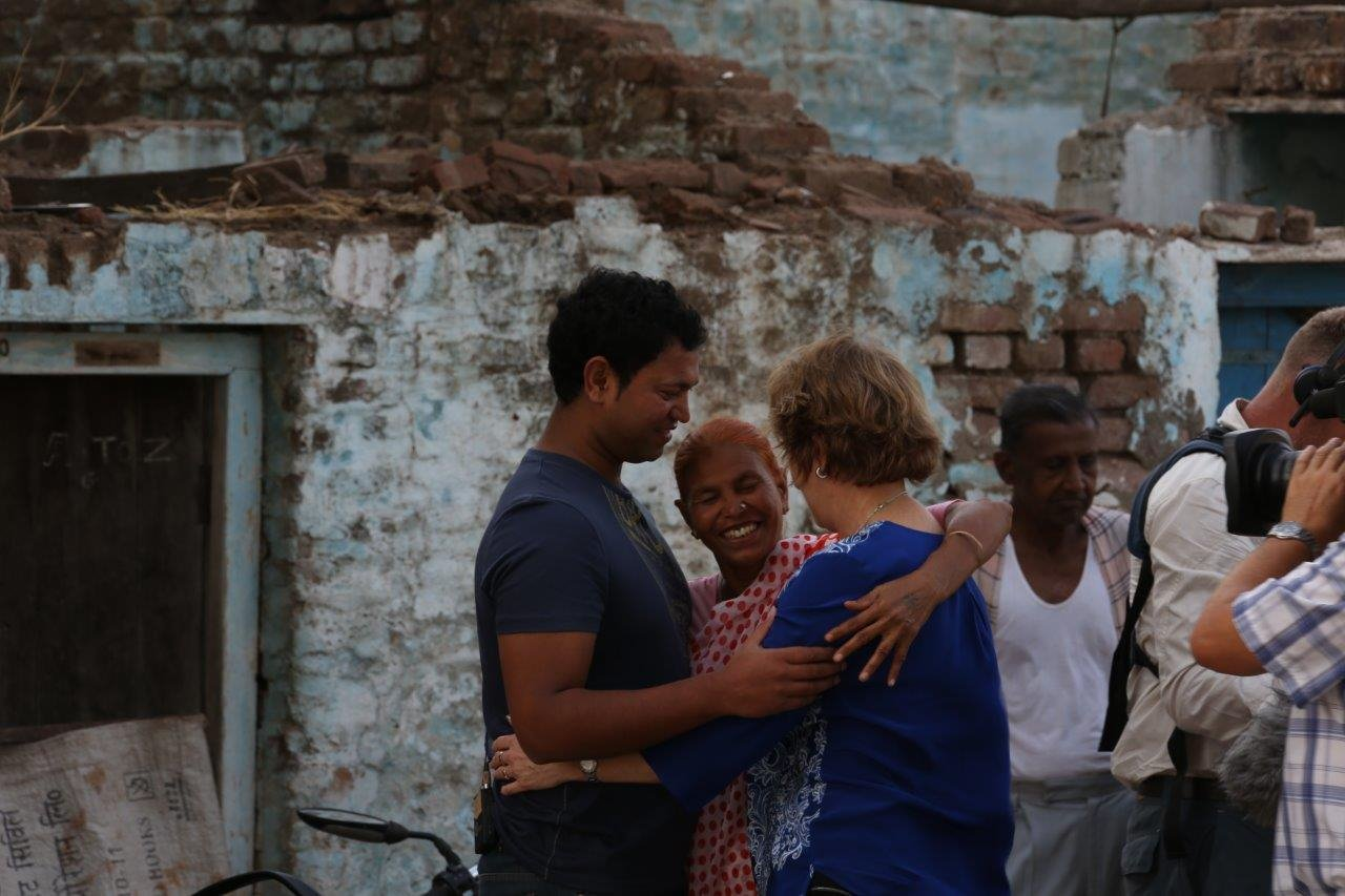 Sue Brierley: The Mother of Saroo's Extraordinary Story – Episode 36 of The Grace Tales Podcast